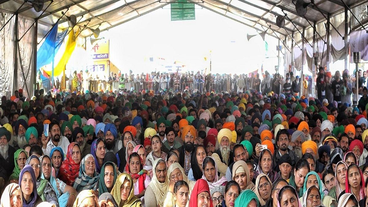 Singhu: Farmers say no trust in police post clash, self-guard site