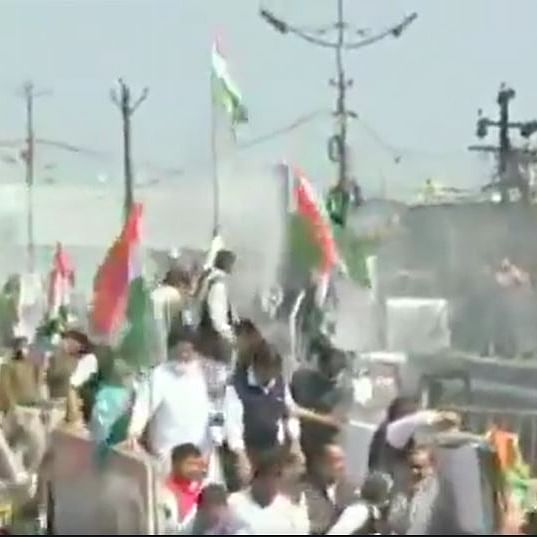 LIVE News Updates: Police use water cannons to disperse Congress workers protesting against farm laws in MP