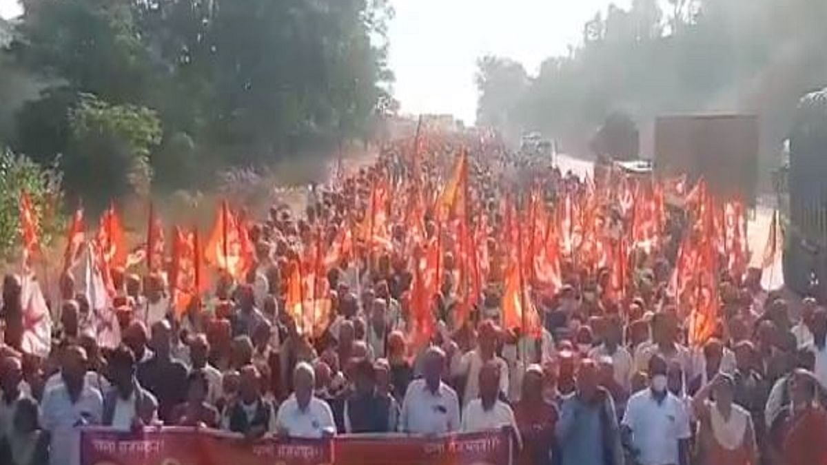 Thousands of farmers from all over Maharashtra reach Mumbai for massive protest on Monday