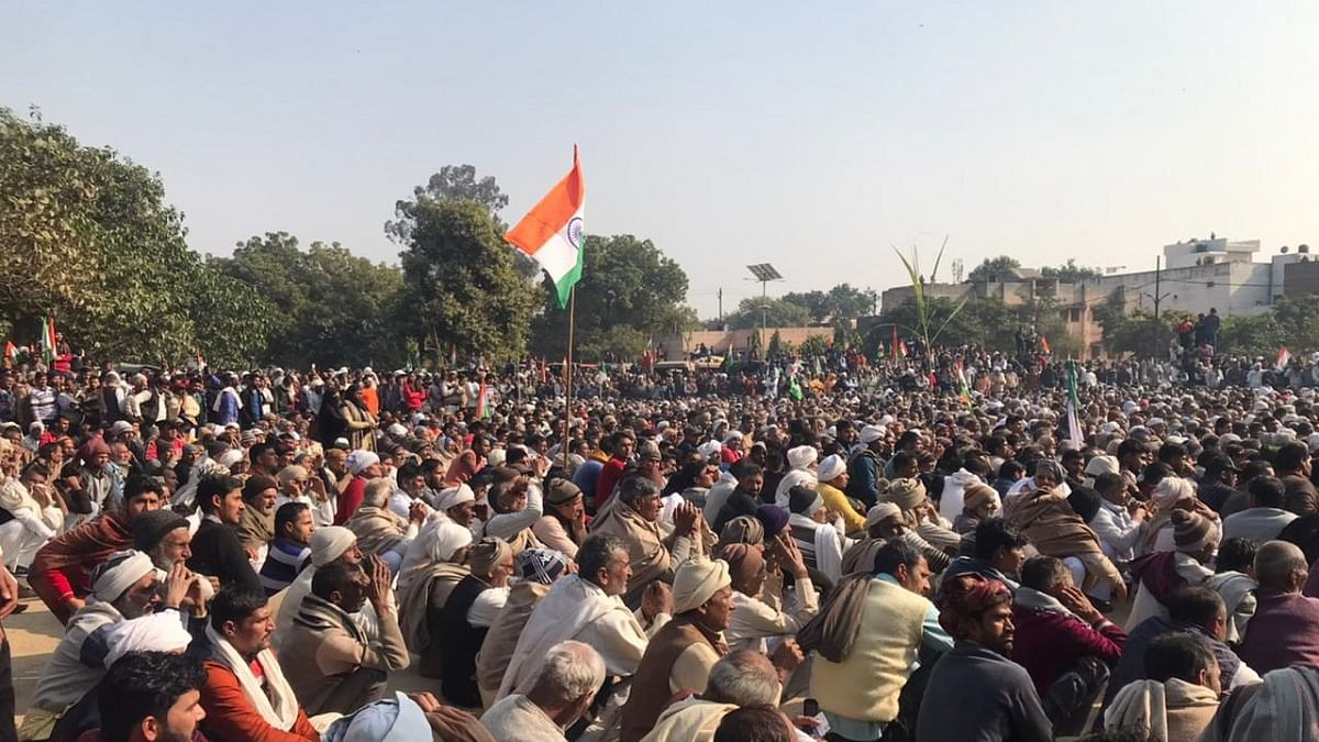 Thousands of farmers attend 'maha panchayat' at Baghpat in western UP, resolve to continue agitation