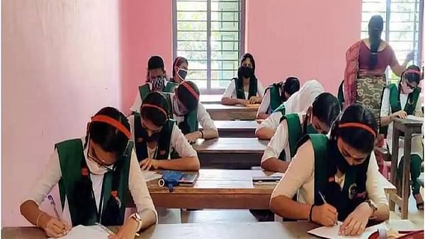 Delhi govt allows schools to reopen for Classes 10, 12 from January 18