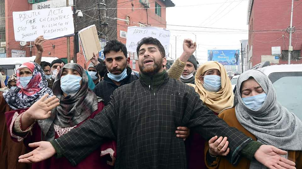 Families of those killed in Srinagar encounter stage protest