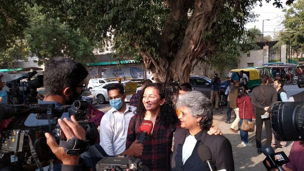 Priya Ramani with her lawyer Rebecca John (Photo Courtesy: Twitter/@AnooBhu)