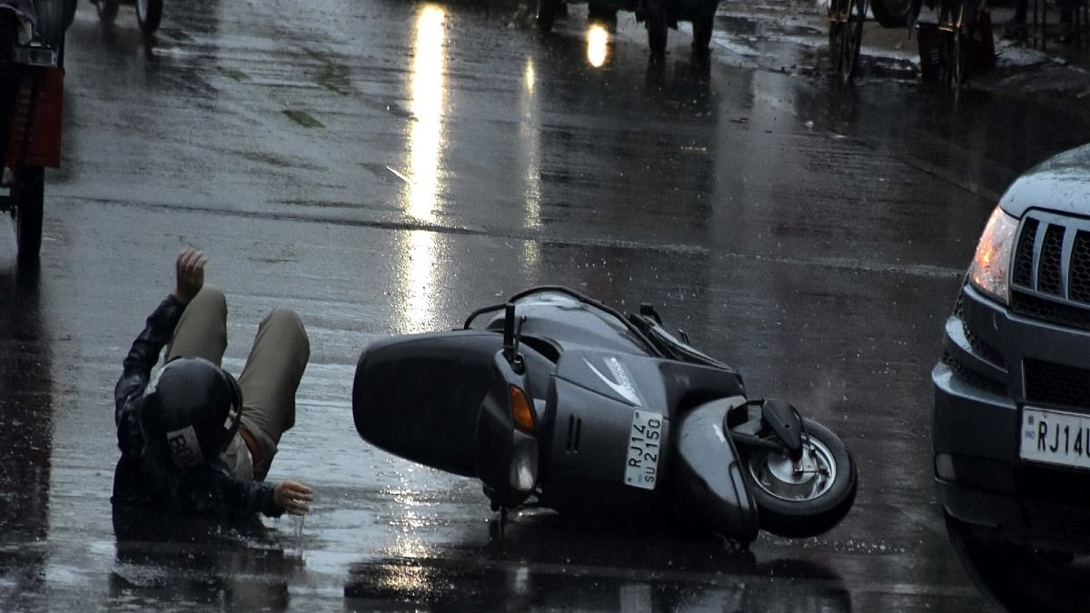 Teen Mercedes driver held for mowing down scooterist