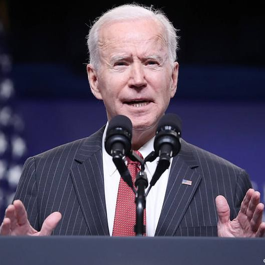 Biden surveys Texas weather damage, encourages virus shots