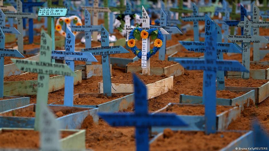 Brazil tops 400,000 virus deaths amid fears of renewed surge