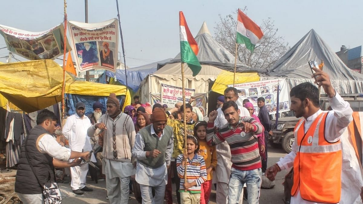 Farmers at Singhu gear up to beat summer heat and continue protest