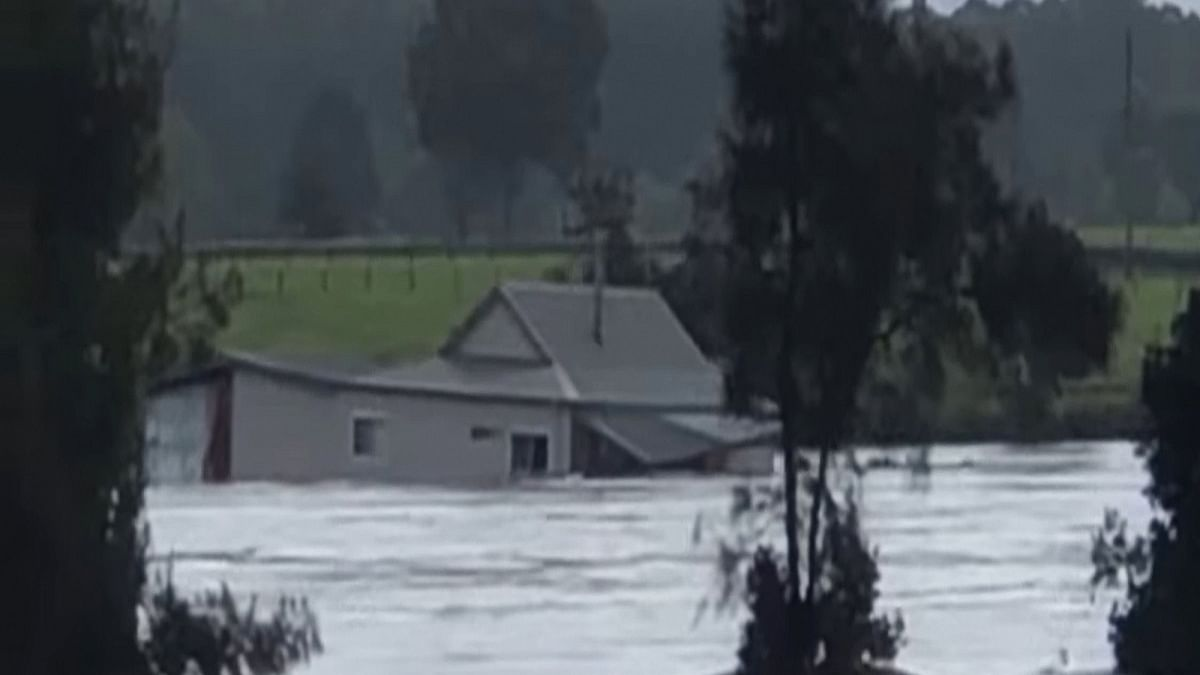 Natural disaster declared in Aus state, evacuations on