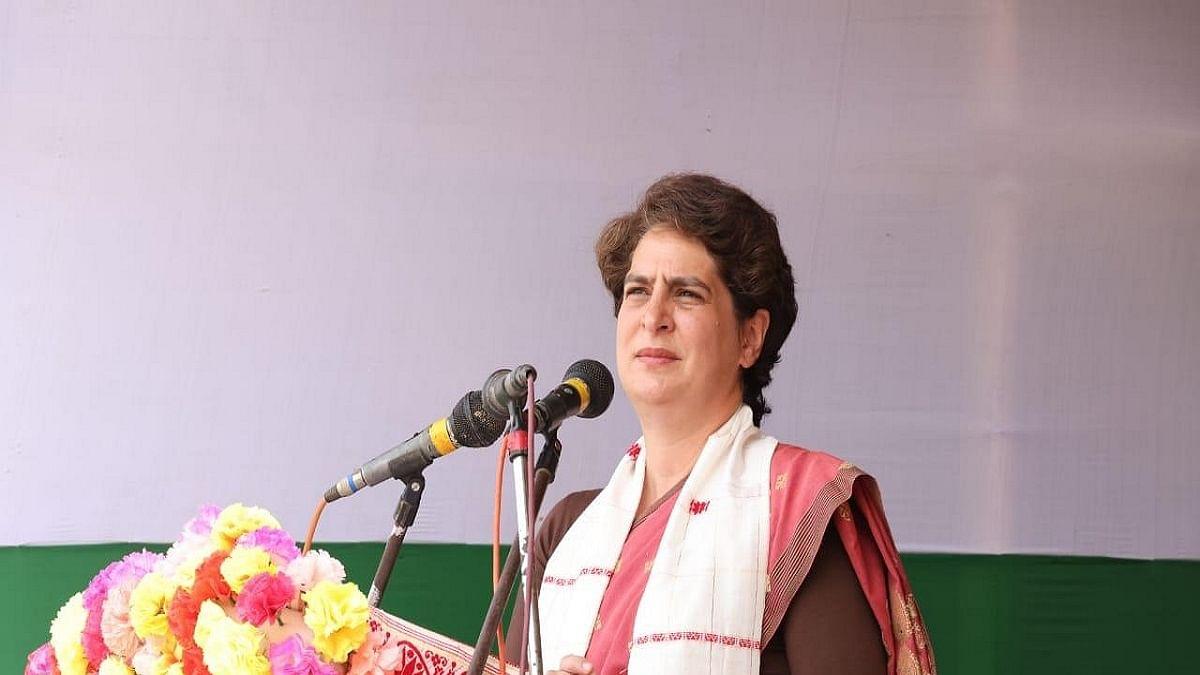 Priyanka slams Yogi govt on cancellation of VDO recruitment