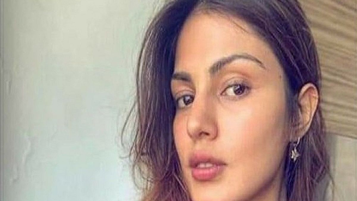 Support for Rhea Chakraborty grows in the industry after Chehre blackout