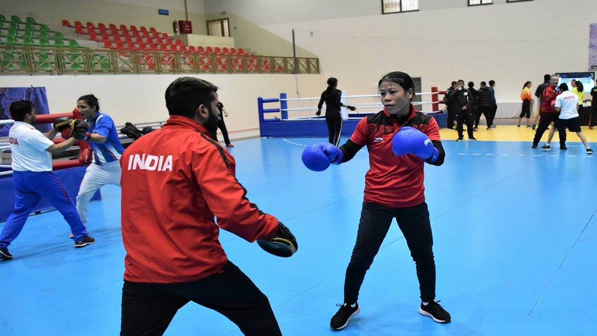 Mary Kom, Panghal one win away from medal in Spain