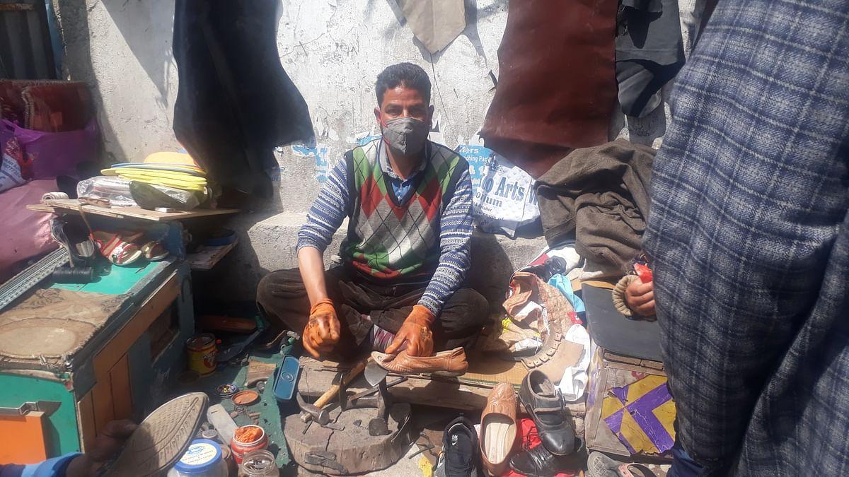 The shoemaker of Shopian