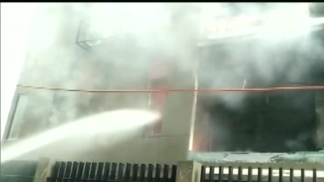 LIVE News Updates: Fire breaks out at a building in Indore, 5 rescued