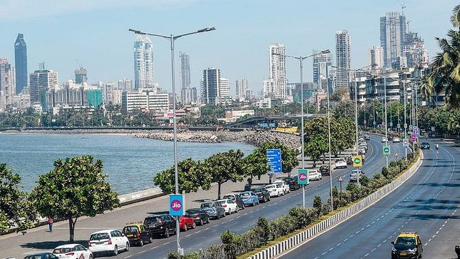 Maharashtra opts for weekend lockdown, stringent Covid norms as cases soar