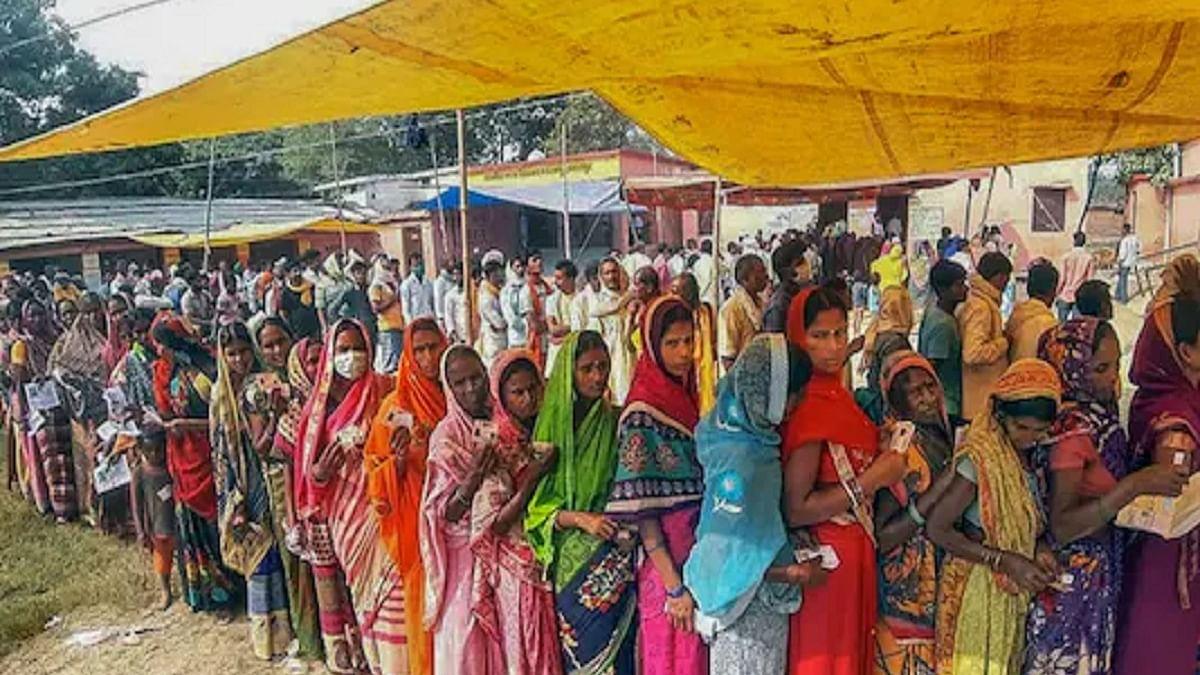Teachers in Uttar Pradesh demand vaccination, insurance for conducting 'Panchayat poll'
