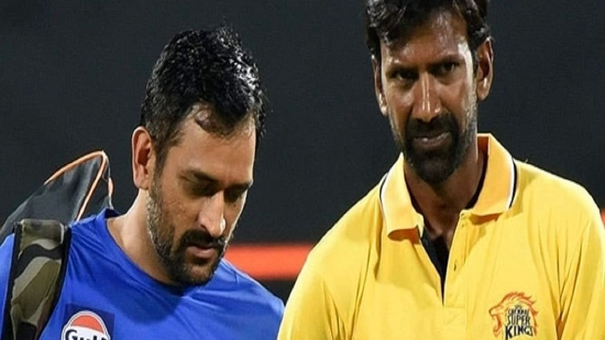 CSK captain MS Dhoni and bowling coach L Balaji (Photo Courtesy: Social Media)