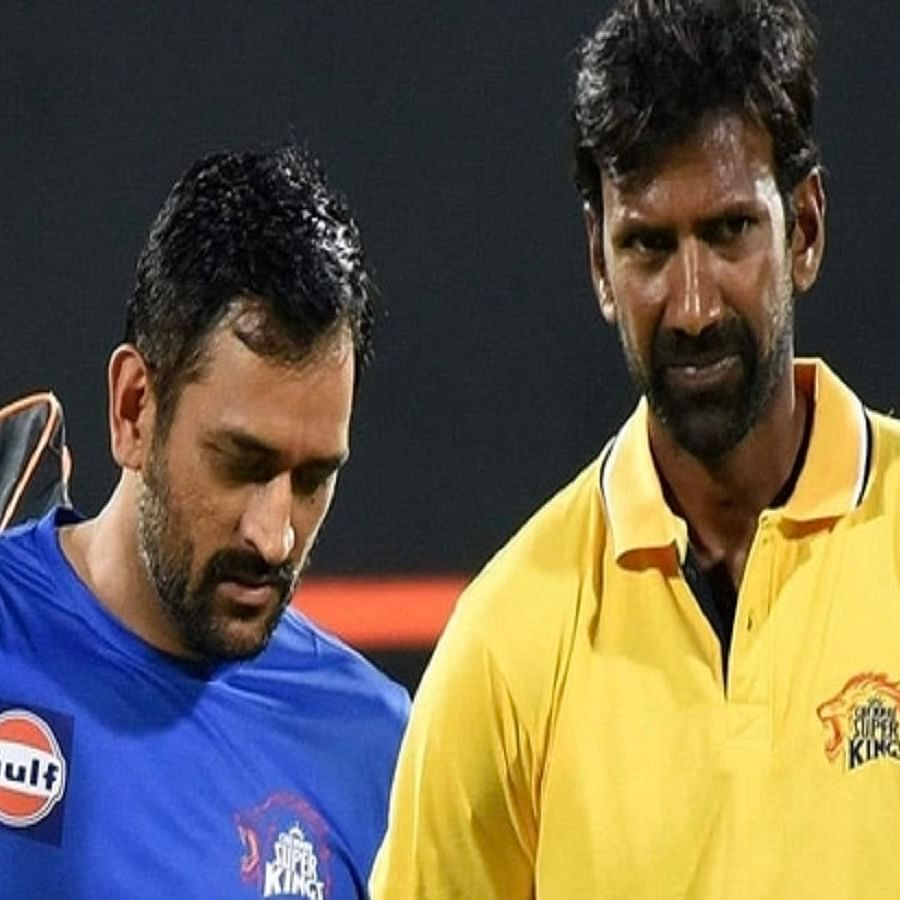 CSK captain MS Dhoni and bowling coach L Balaji (Photo Courtesy: Social Media)