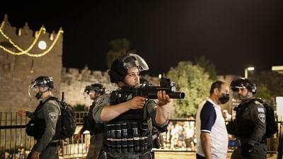90 Palestinians injured in Jerusalem clashes