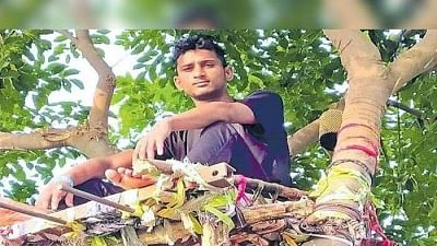 Innovative! COVID positive Telangana youth spends 11 days on tree to save his family from being infected