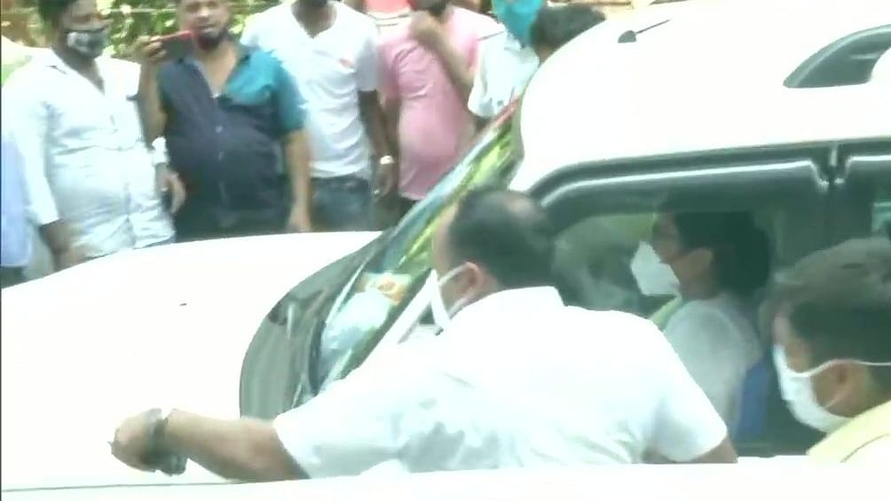 Narada sting case: Mamata arrives at CBI office after arrest of Bengal ministers, MLA
