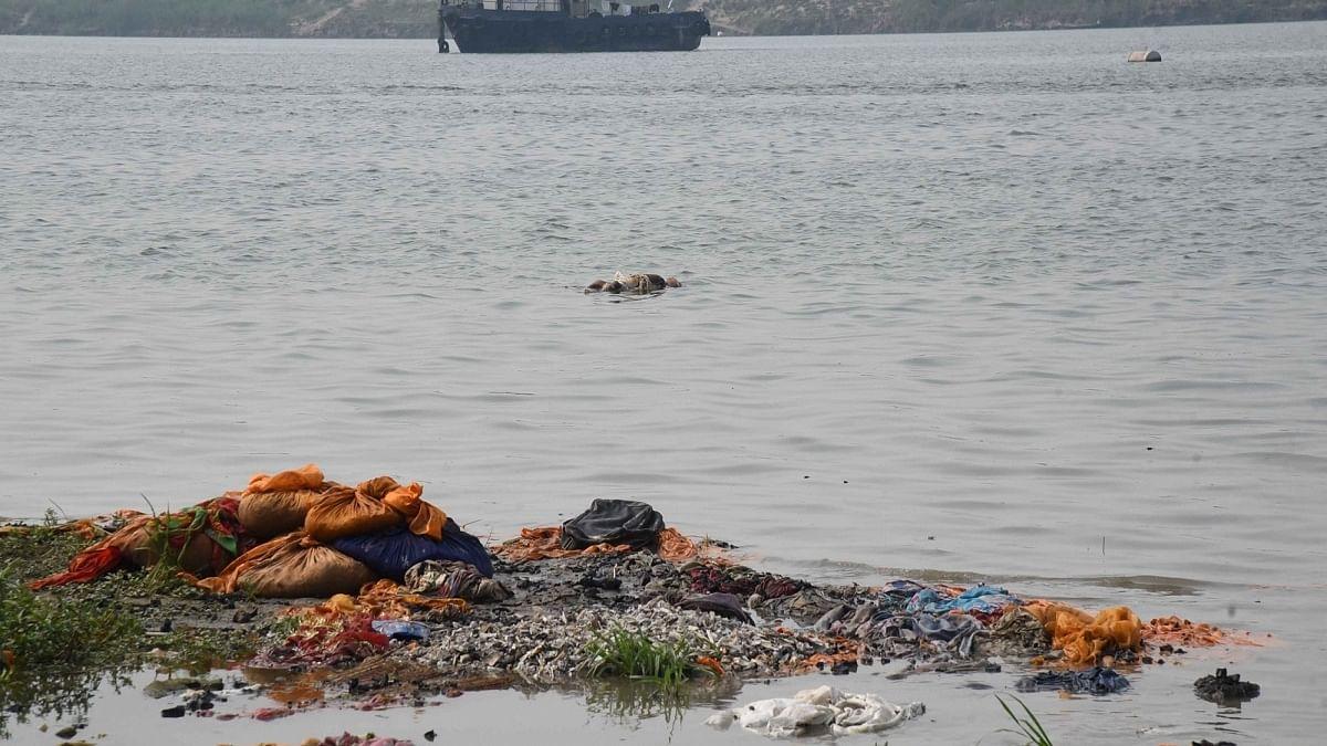 UP: More bodies found floating in Varanasi, Chandauli