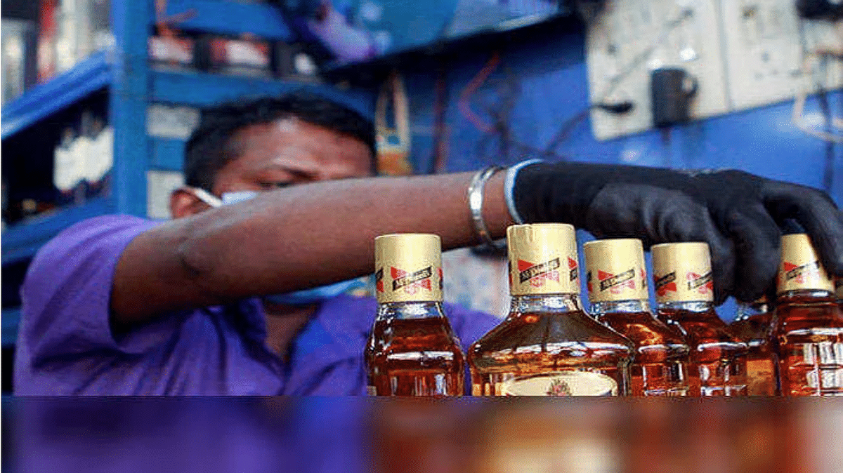 No liquor vends to open in 105 of 272 municipal wards in Delhi from October 1