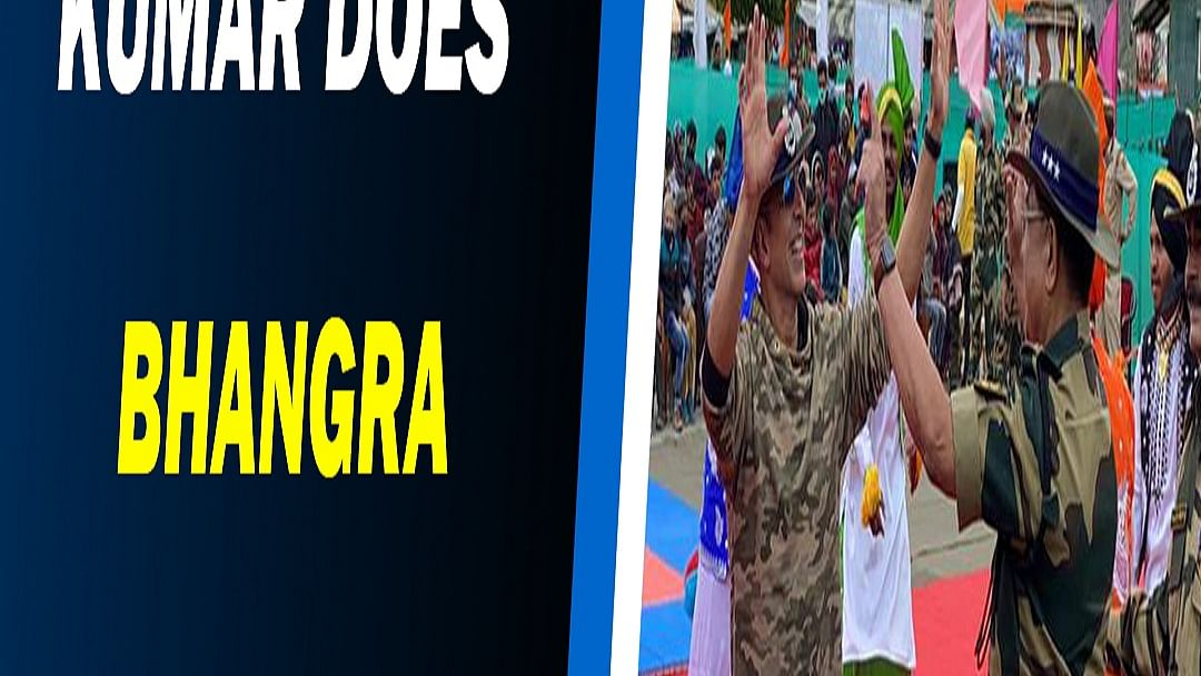 Akshay Kumar does bhangra with the BSF jawans in Jammu and Kashmir