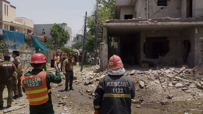 Two dead, 17 injured in Lahore blast