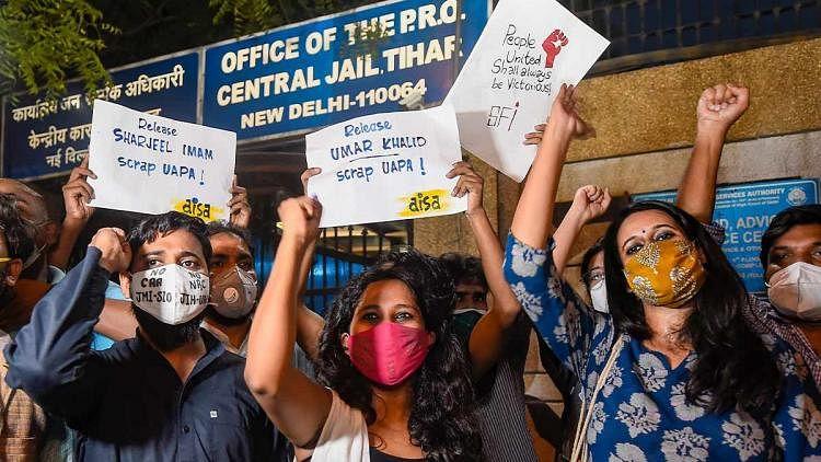 (L-R) Asif Iqbal, Devangna Kalita and Natasha Narwal after coming out of Tihar Jail