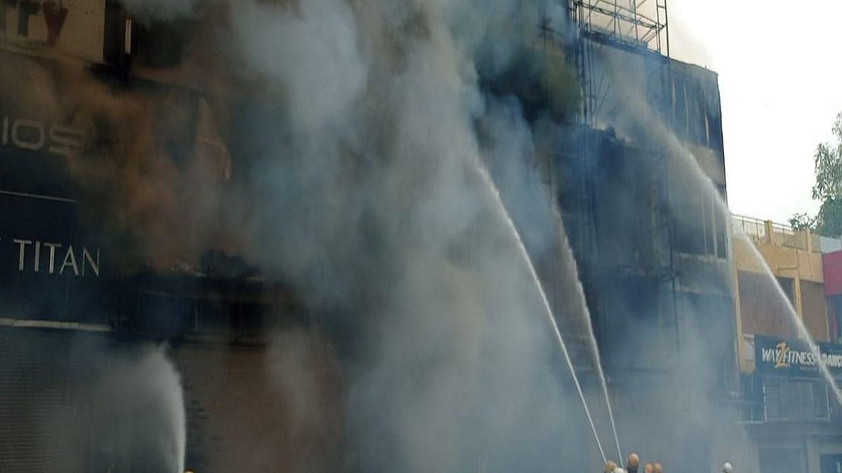 Massive fire breaks out in Delhi's Lajpat Nagar Market