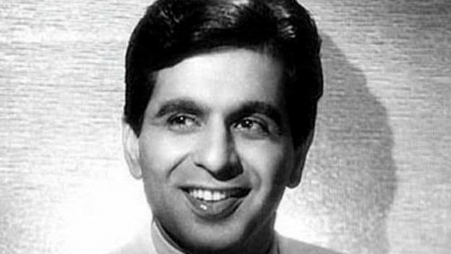 Veteran actor Dilip Kumar passes away at 98; Funeral at 5 pm today in Mumbai