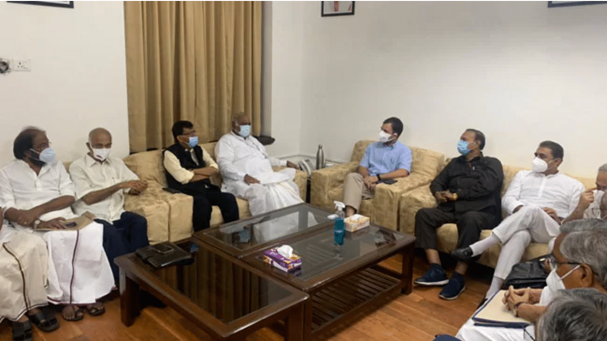 14 parties attend opposition meet, AAP also joins in