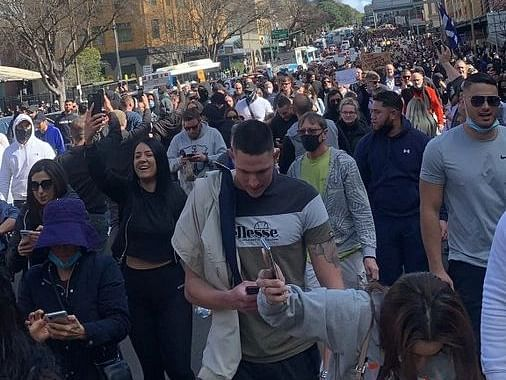 Protests in Sydney against lockdown