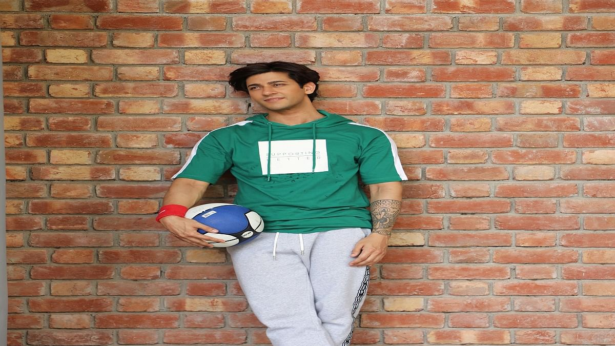 Being an outsider you have to figure your way out by yourself, says actor Shivam Bhaargava