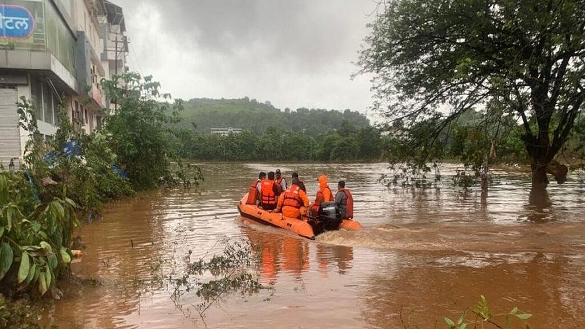 76 dead, 38 injured, 30 missing, 89,000 rendered homeless in Maharashtra floods, CM to visit affected areas
