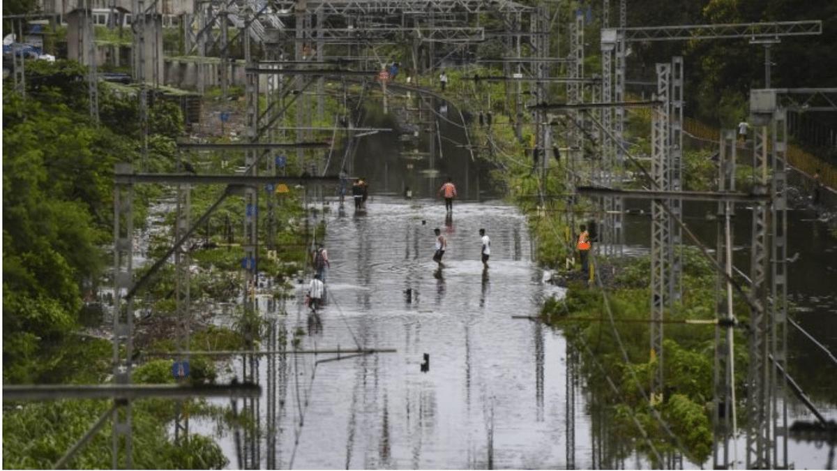 Maharashtra: Heavy rains in Thane, Palghar; boy drowns, vehicles damaged in wall collapse
