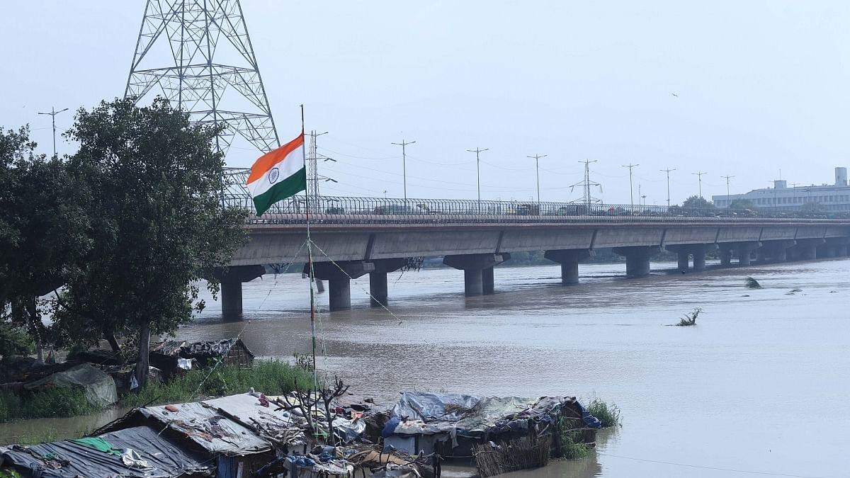 Water level in Yamuna reaches close to danger mark: Delhi govt