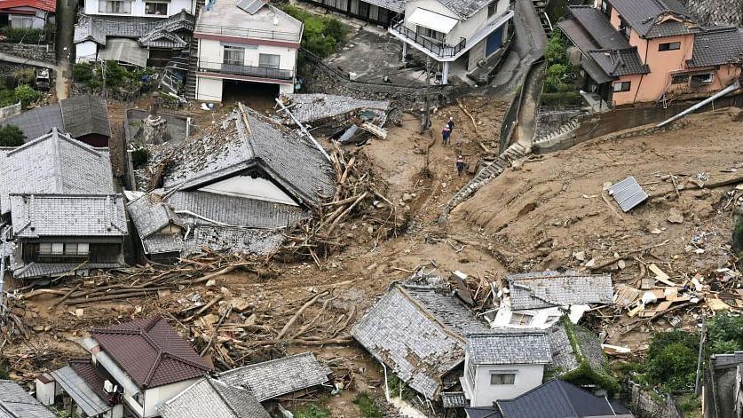 20 missing in landslide in central Japan
