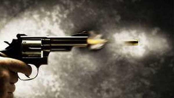 Delhi Police constable shoots self in head, critical