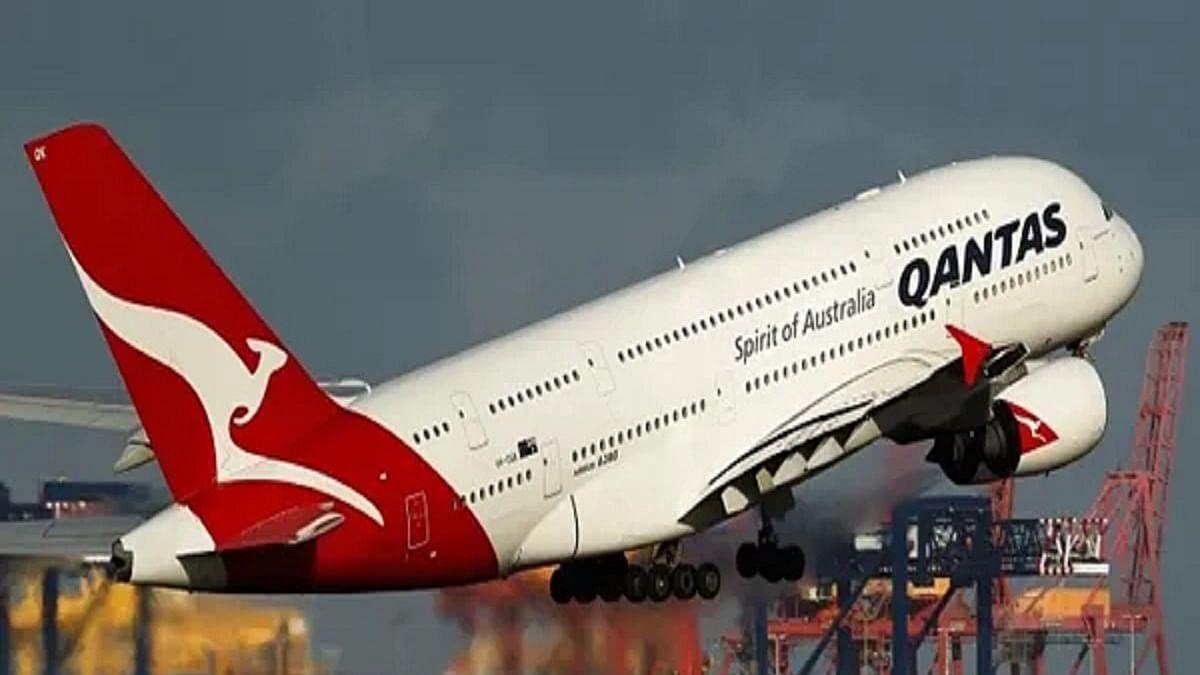 Qantas furloughs 2,500 staff amid lockdown