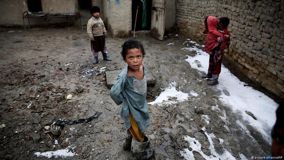 Afghanistan teetering on brink of 'universal poverty', says UN development agency