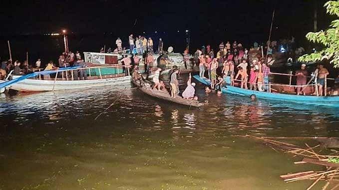 21 killed in Bangladesh boat capsize