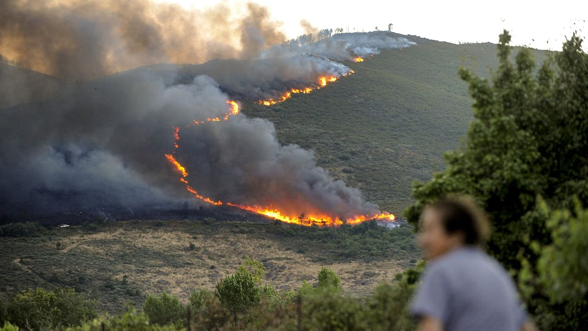 Largest wildfire of 2021 in Spain still active