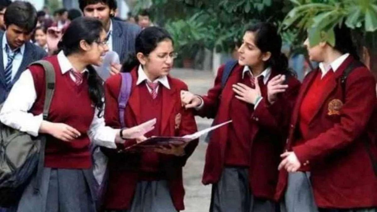 As Covid-19 fears loom, Maha postpones school reopening