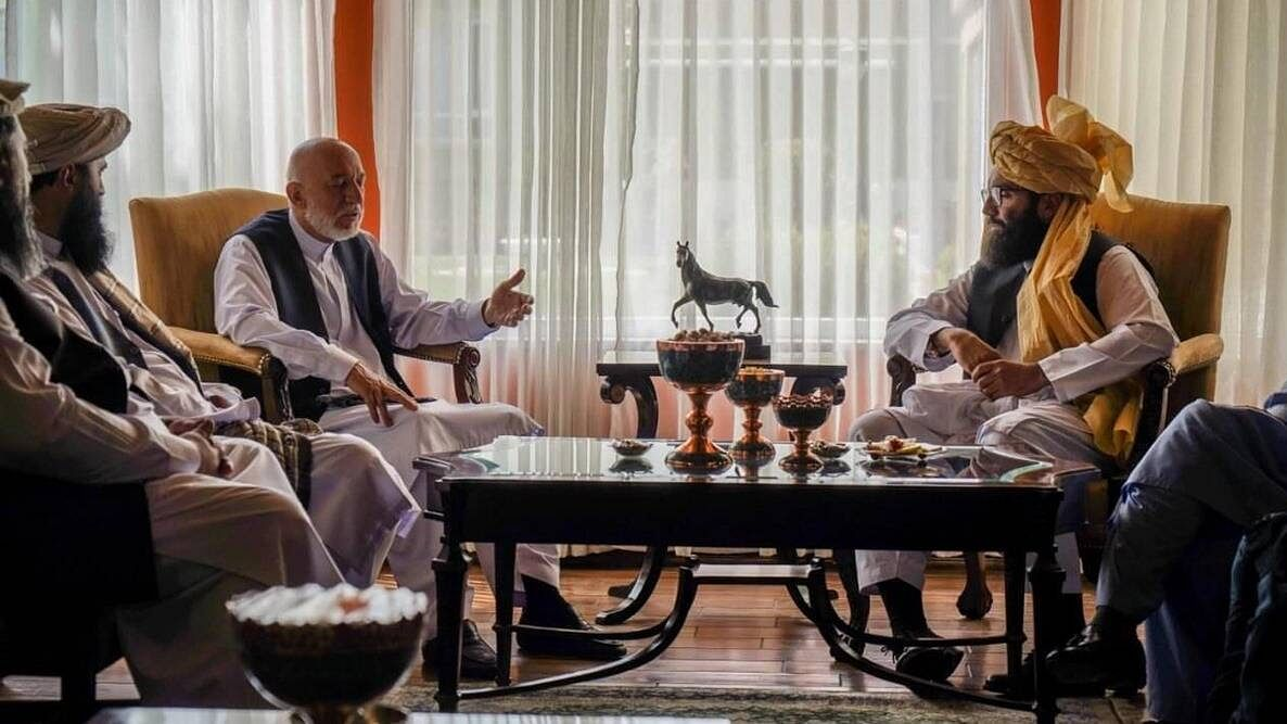 Taliban leader holds meeting with former Afghanistan President Hamid Karzai
