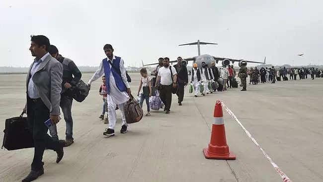 Afghan evacuees arrive in New Delhi