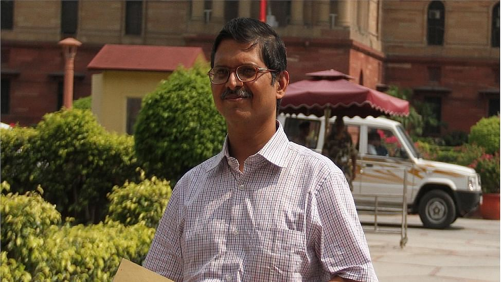 UP: Ex-IPS officer Amitabh Thakur, who was forced to retire, to contest poll against Adityanath