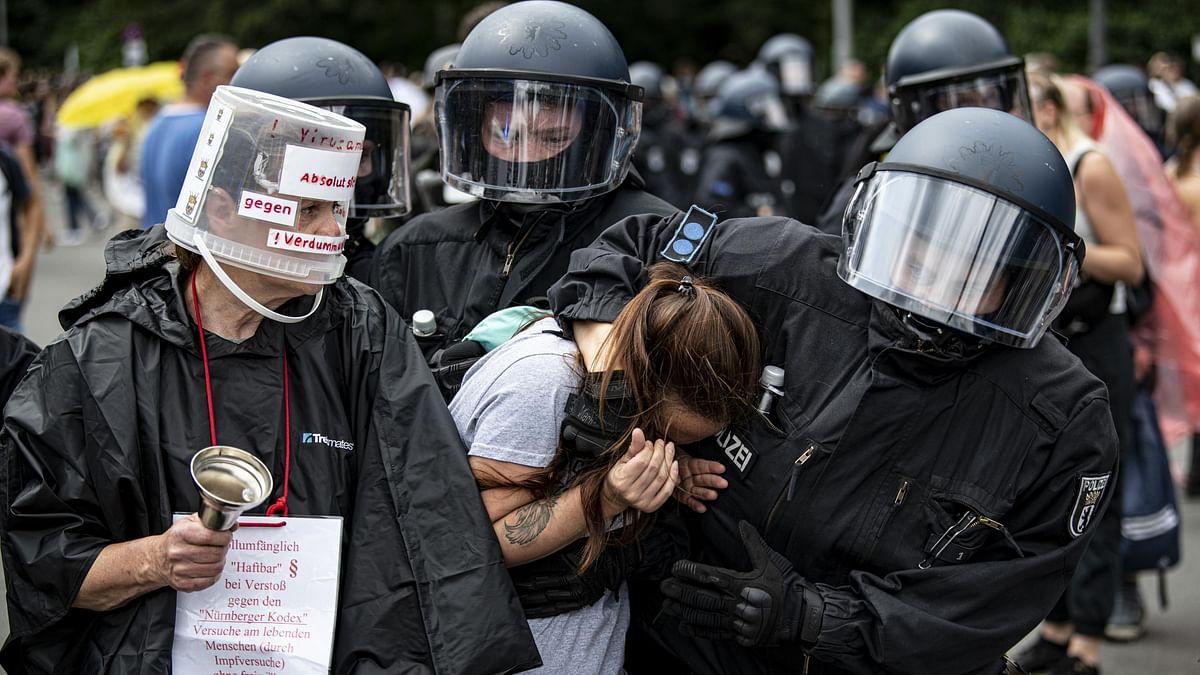 Berlin protesters decry coronavirus measures; 600 detained