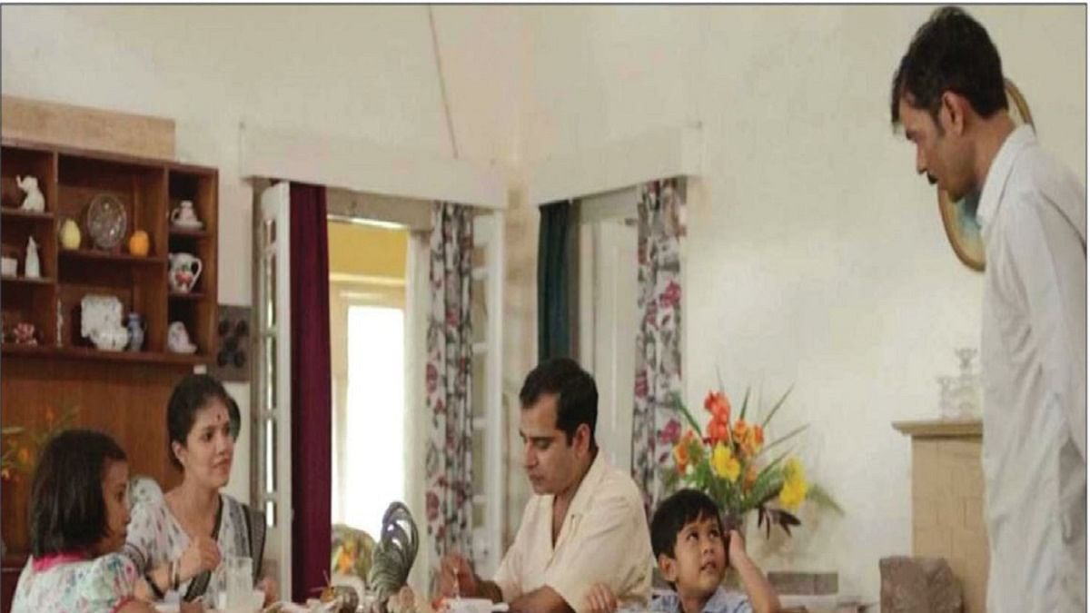 Shankar's Fairies: Set in a police officer's home, a child sees that the king is naked