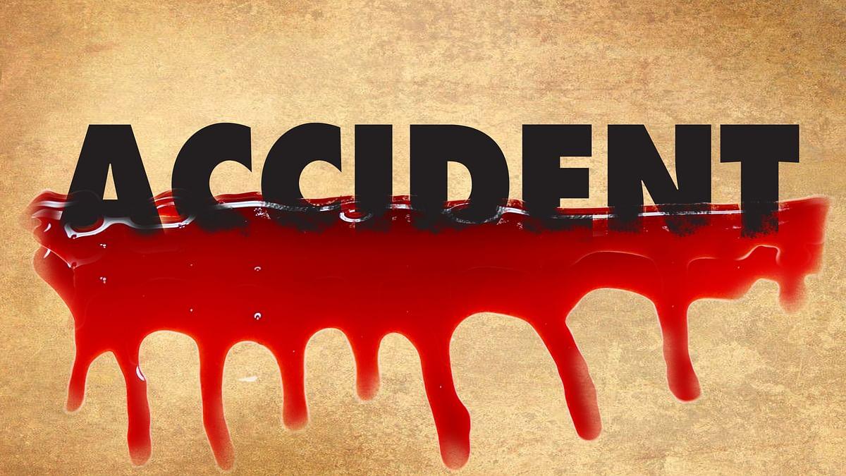 2 killed, 24 injured as mini bus overturns on expressway